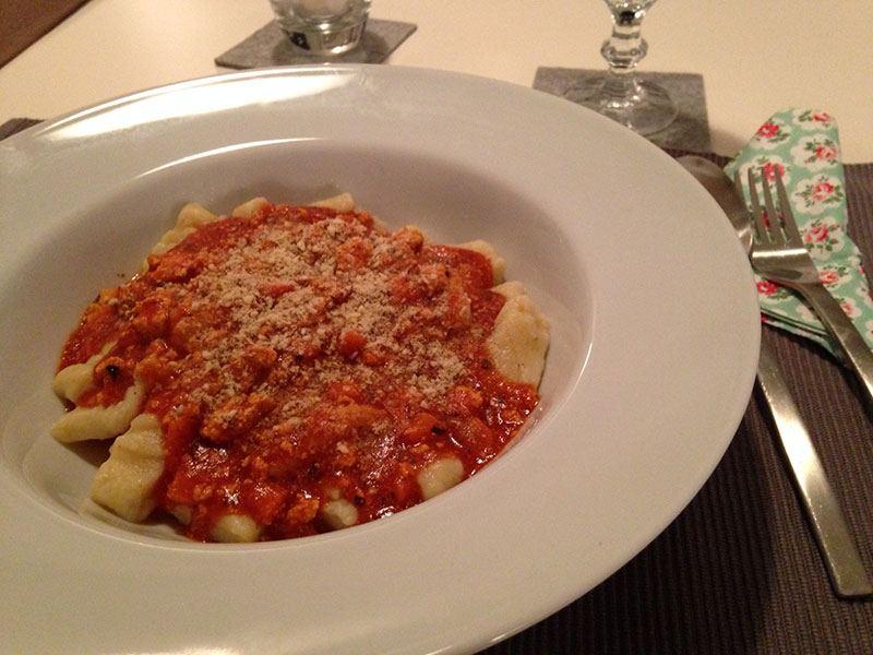 Vegane Gnocchi mit Tomatensauce