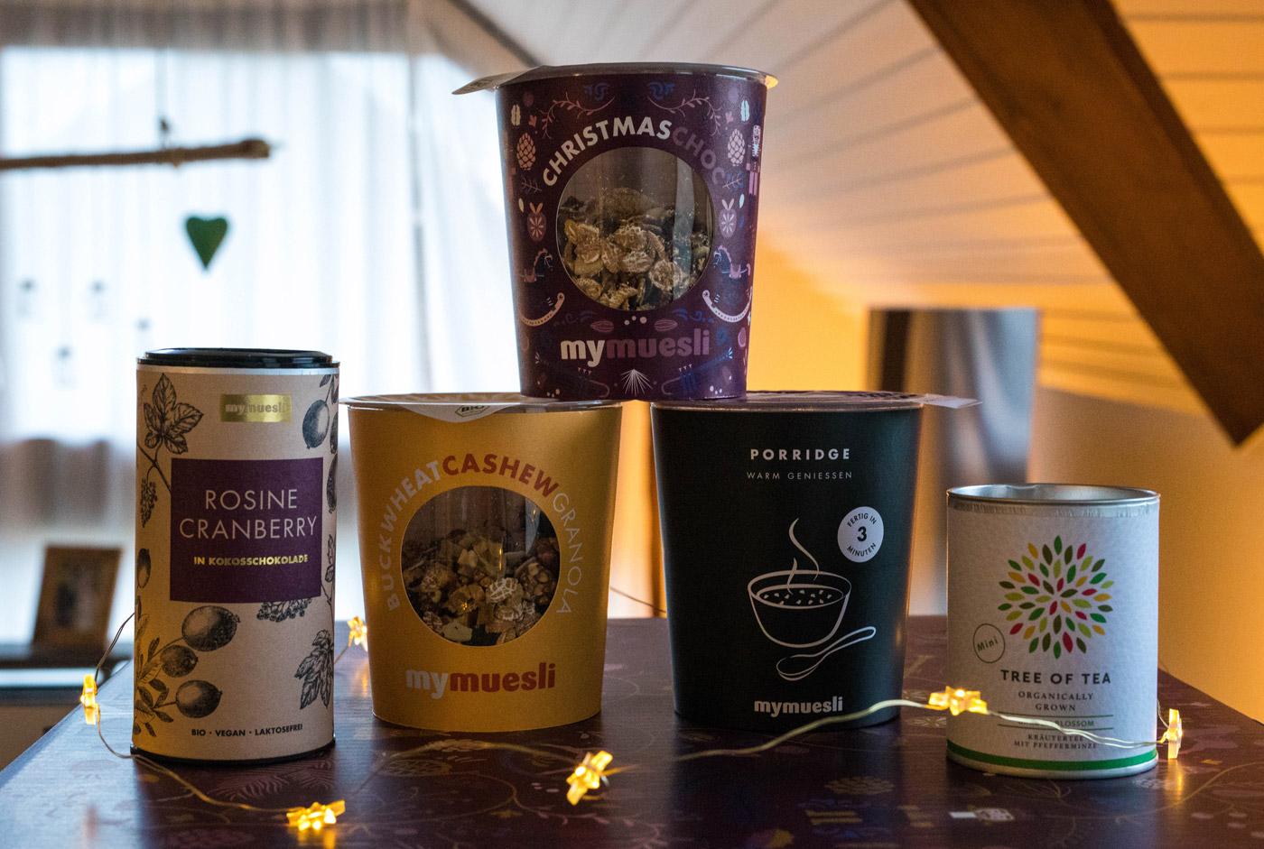 Müsli, Porrdige, Tee und Nüsse