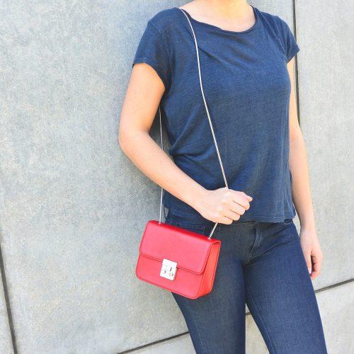 Rote vegane Tasche von Denise Roobol